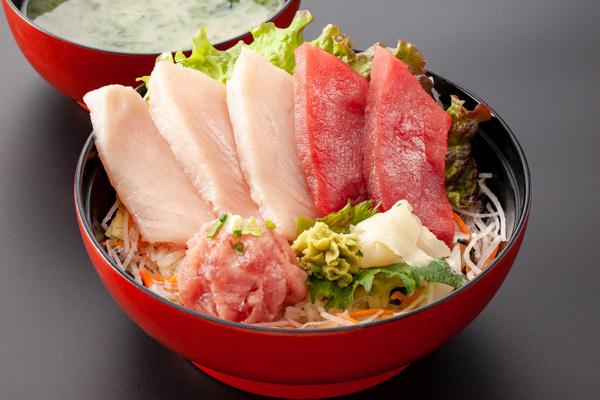 三崎マグロ丼(上)